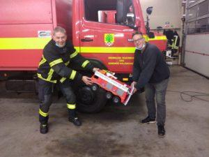 Übergabe des XXL Feuerwehrautos an die Freiwillige Feuerwehr Holzwicke